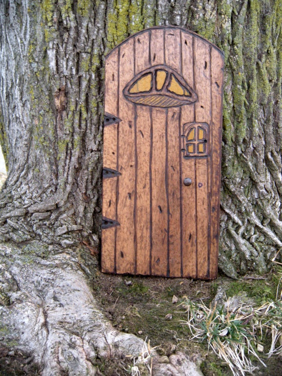 26 best images about craft ideas on pinterest pallet for Idea behind fairy doors