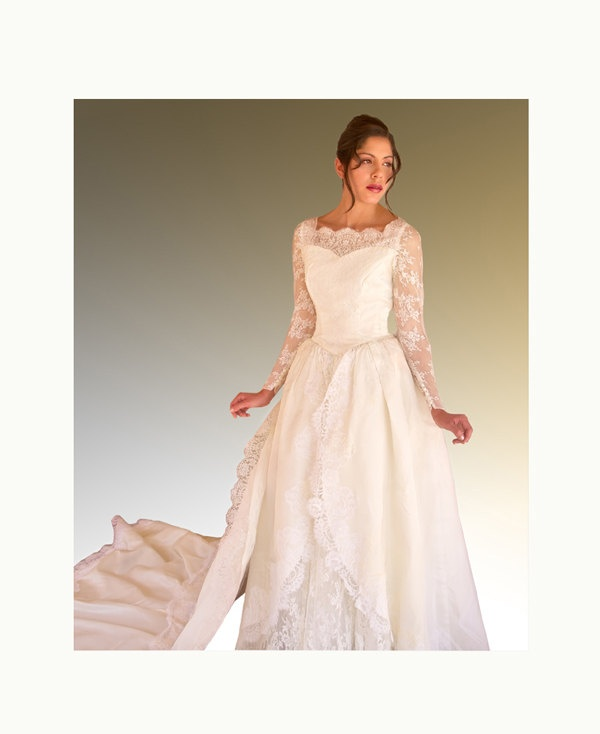 "1950s ""Kate"" Wedding Dress with train. $100.00, via Etsy."