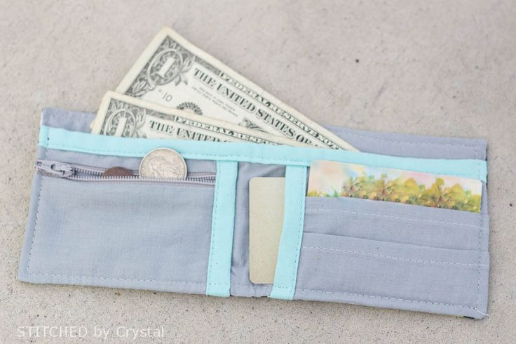 Boys (or girls) Bi-fold Fabric Wallet - Tutorial via Make It and Love It