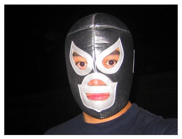 Yo con la mascara del santo el enmascarado de plata, gran personaje mexicano de los años 80's