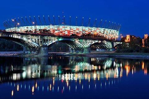 Szczęśliwy @pgenarodowy. Brawo Polska! Jedziemy na @euro2016‼️ Dobrej nocy. ⚽️⚽️