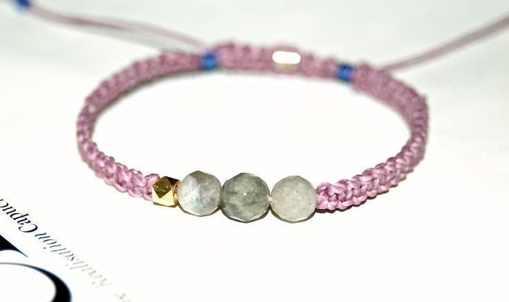 BRACELET COULISSANT MACRAME LILAS ET PIERRES LABRADORITE : Bracelet par evencil