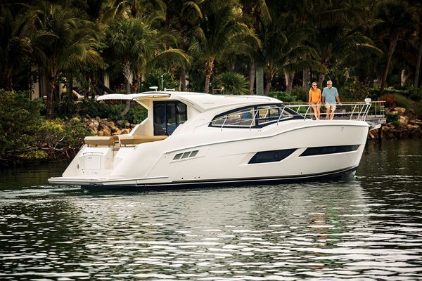 The Carver C43 Coupe is a big boat. It isn't so much the nearly 14-foot beam, but the height.