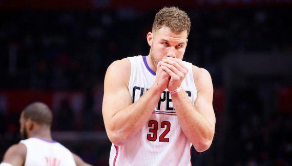 Blake Griffin a surpris et réveillé les Clippers avec son «poster dunk» -  On le dit, on le répète, les Clippers ont un peu laissé tomber le show pour se concentrer sur l'efficacité, notamment défensive. DeAndre Jordan et Blake Griffin squattent moins les… Lire la suite»  http://www.basketusa.com/wp-content/uploads/2016/11/blake-poster-570x325.jpg - Par http://www.78682homes.com/blake-griffin-a-surpris-et-reve