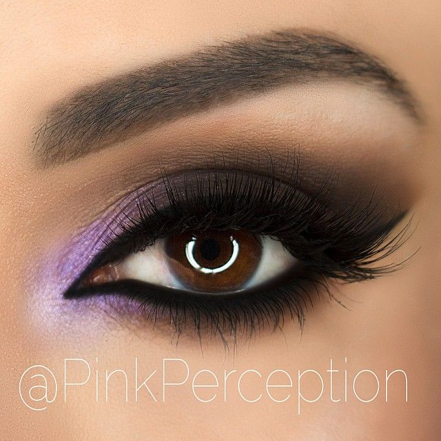 dark black Smokey eye with pop of lilac in the inner corner | makeup @pinkperception - love the contrast with the arabic liner inner corner