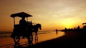 Keindahan Pantai Parangtritis di Sore Hari