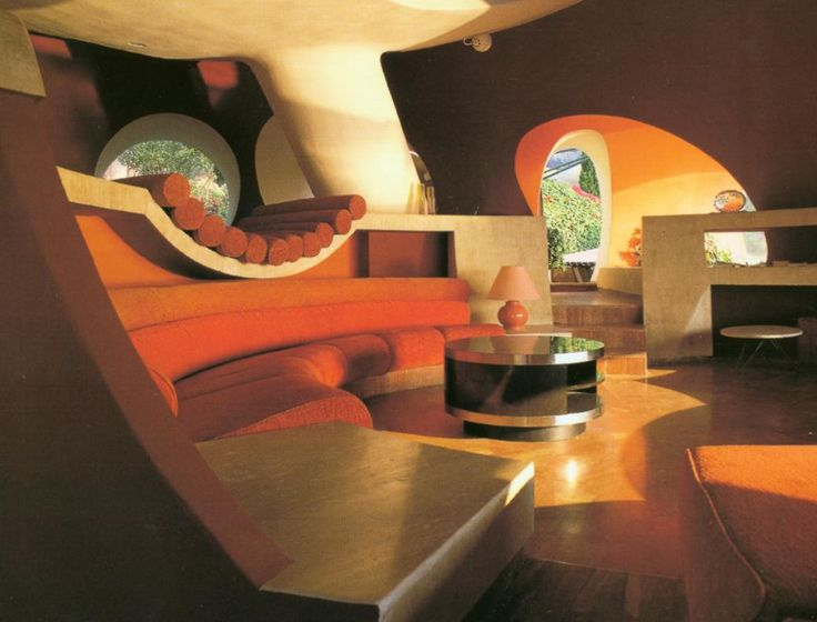 the palais bulles of pierre cardin by architect antti lovag - 70s Home Design
