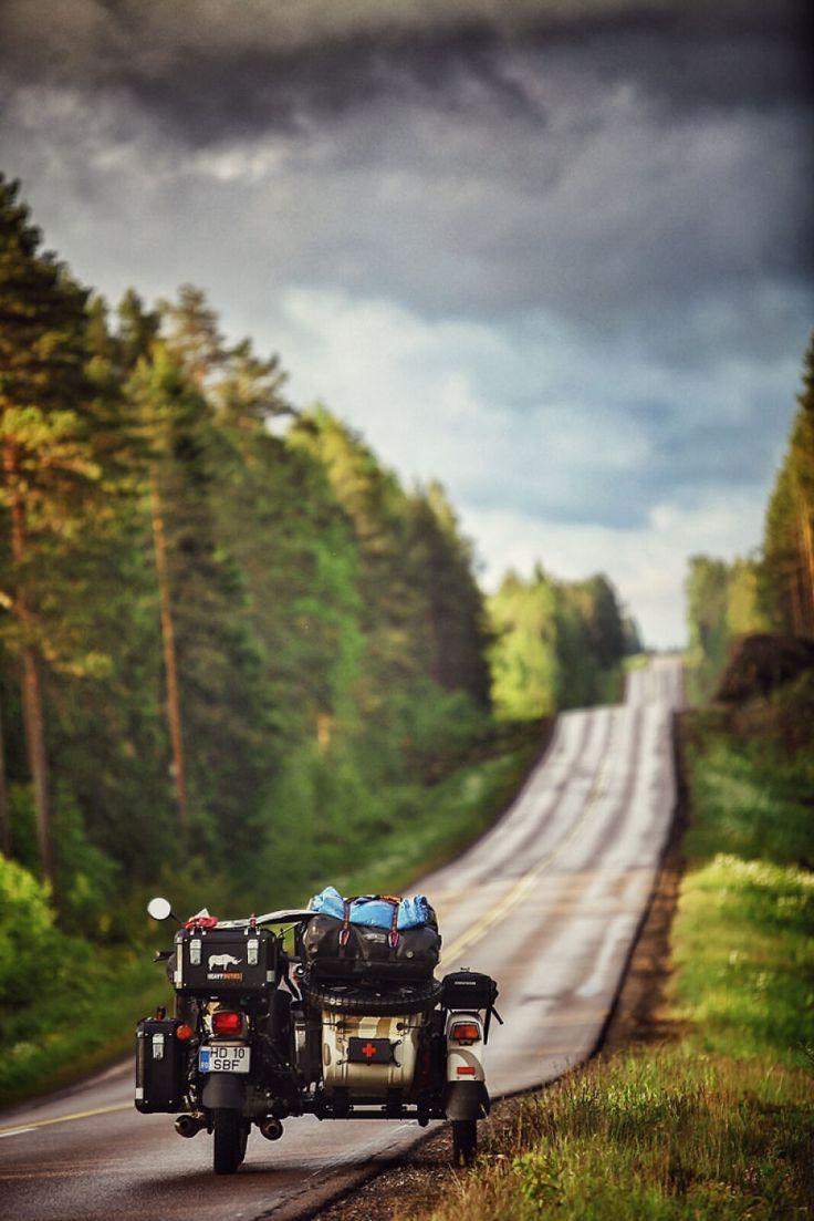 Estradas intermináveis da Finlândia