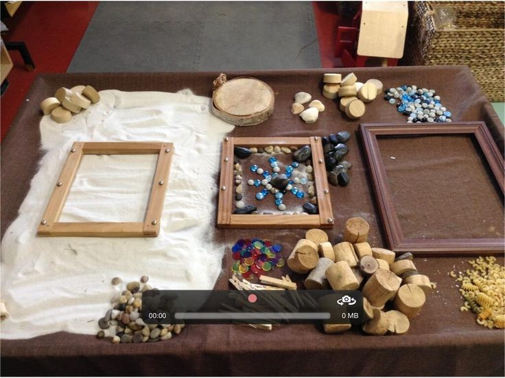 Allowing children to explore and create beautiful pieces of art from Mercedes Alvarez (Use old picture frames?)