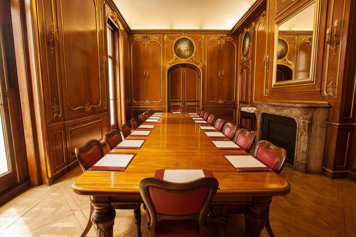 Renting A Meeting Room In London  People