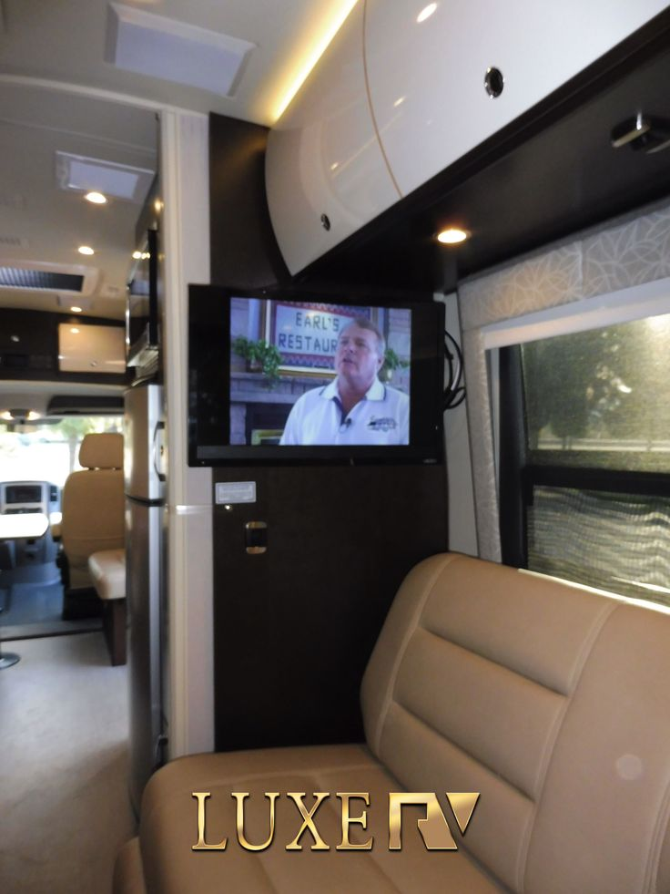 Luxury RV for rent anywhere in California Los Angeles San Francisco. RV  rental in Calabasas with driver and free pickup.