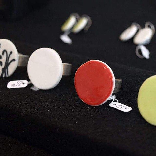 #lecomptoiraperles #Klr #céramique #porcelaine #bijoux #faitmain création #unique #couleurs #rouge #bagues #handmade #handmadejewelry #jewelry #necklace #colors #rings