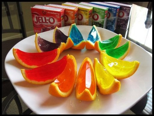 Gelatina na casca da fruta. Fácil e uma delícia!: Jello Orange, Ideas, Jello Shots, Orange Slices, Food, Parties, Jelly, Jello Shooters, Jelloshots