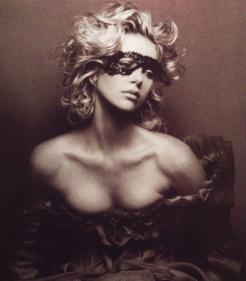 Charlize: Masquerades Parties, Charlize Teron, Art Photography, Masquerades Ball, Charlizetheron, Charlize Theron Gorge, Beautiful Photoshoot, Beautiful Masks, Beautiful Things