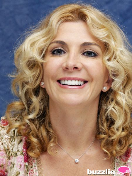 Natasha Richardson The British beauty found household fame as Lindsay Lohan's mom in The Parent Trap remake, but Natasha Richardson's tragic death at the age of 45 after a skiing accident made the entire world take notice. Her beautiful smile and lovely personality were taken from us way too soon.