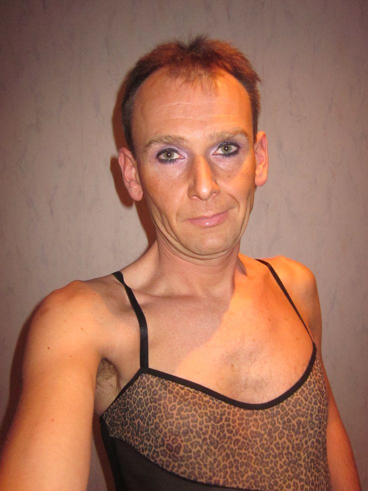 Hi, erkennst du mich? Mein Name ist #Peter #Cristian #Reinecke lebend gerne auch #Christiane genannt.