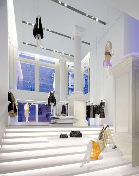 Vera Wang Flagship Store. lighting design by Tillotson Design Associates (http://www.tillotsondesign.com/projdet.php?id=50)
