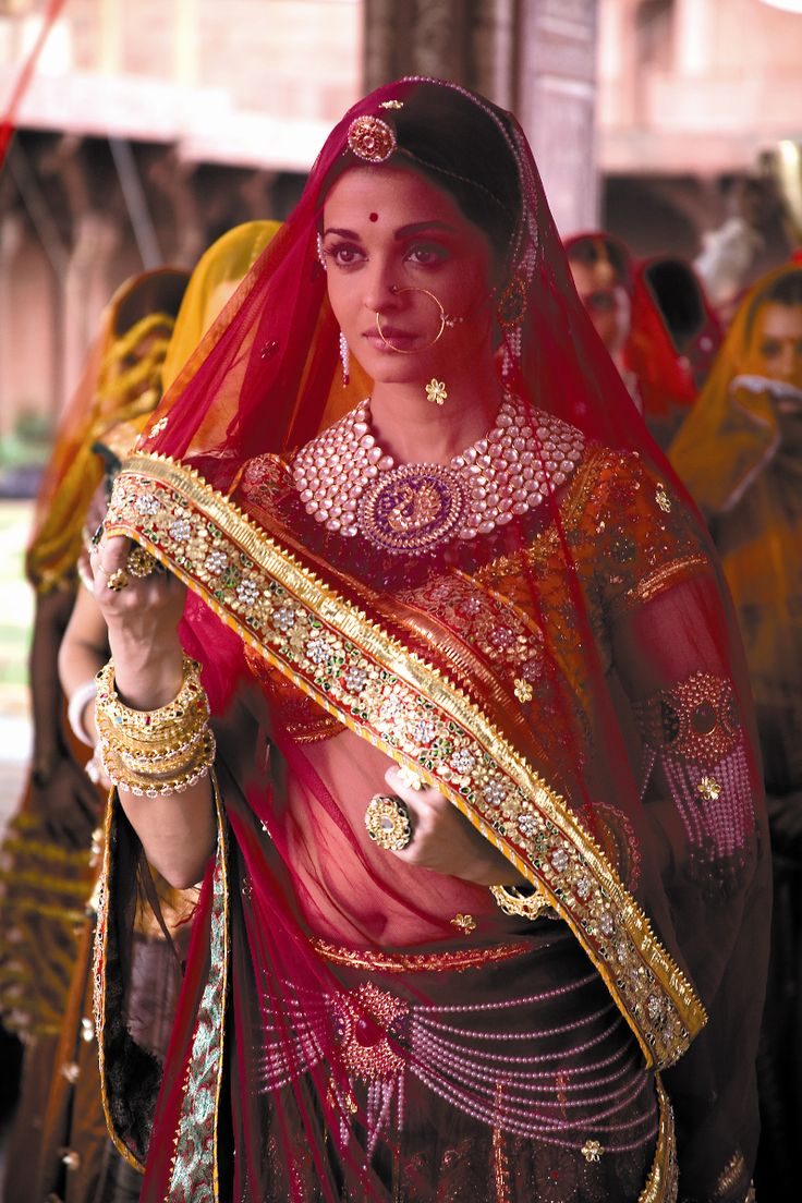 Aishwariya Rai in Jodha Akbar. She is so stunning! Loved the outfits in this movie.
