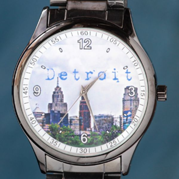 Detroit Skyline Casio Watch #funshopgifts #allthingsdetroit #askjennyfer #michelelundgren
