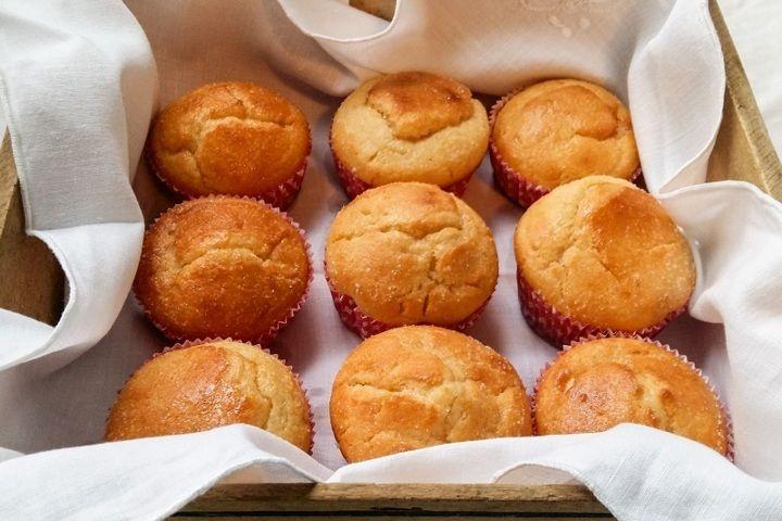 La tortina di ricotta è la versione monoporzione della torta di ricotta. Soffice, leggera e profumata, ottima per la colazione e la merenda dei bambini.