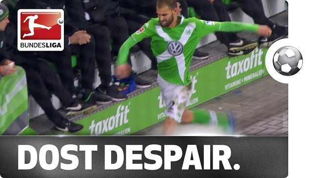 Frustracja Basa Dosta w Bundeslidze • VFL Wolfsburg vs SC Paderborn 07 • Niebywały pech Basa Dosta w meczu Ligi Niemieckiej • Zobacz >>