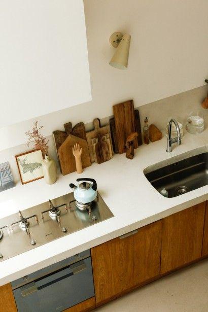 Cuisine en bois naturel, simplicité et modernité, The Socialite Family