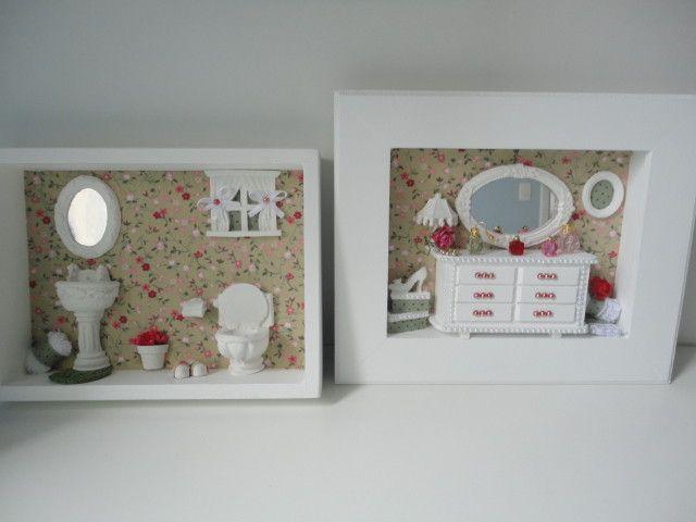 Quadro para banheiro, com fundo em tecido , peças em resina e flores secas e quadro decorativo feminino.