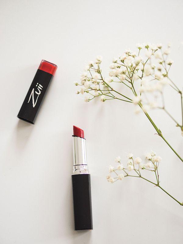 FLOWER & LIPSTICK LOVER