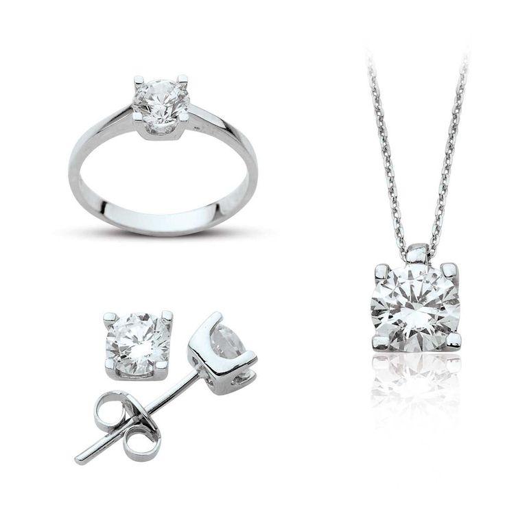 Dört Tırnaklı Tek Taş Gümüş Set Gümüş takıda yılların deneyimi. Cng Gümüş Online satış mağazası ve şubeleriyle gümüş takı, küpe, kolye, yüzük ,bileklik ve size özel ürünlerle hizmetinizde.Daha fazla bilgi ve sipariş için www.cnggumus.com Tel:(0212) 240 67 14 -(0212)325 00 82 Whatsapp 0555 961 08 05