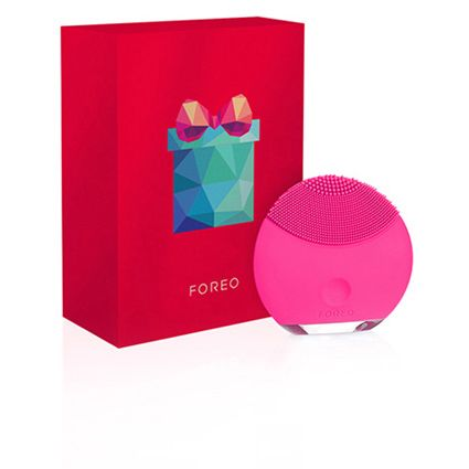 Transform Your Skin With Our Deep-Cleansing Facial Brush | FOREO