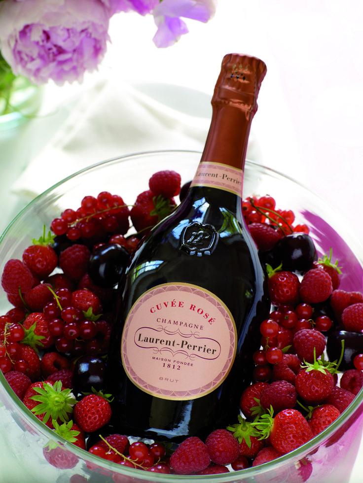 Retrouvez la Cuvée Rosée chez tous vos cavistes et en grandes surfaces au prix de vente conseillé de 71€