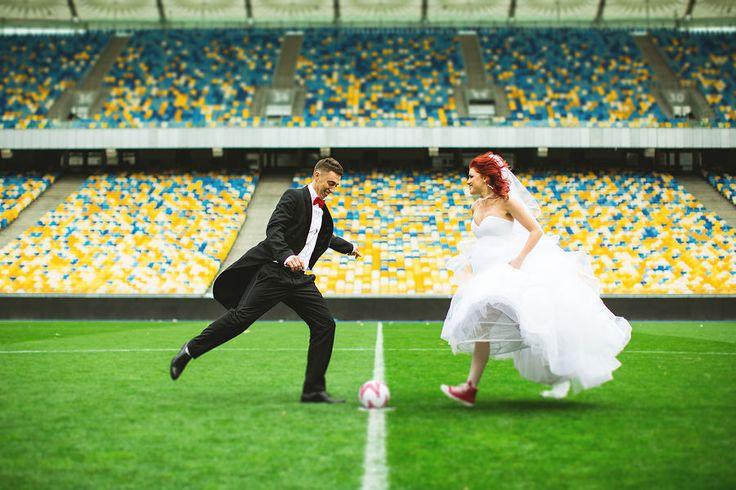 Свадебный фотограф Афина Хая (AfinaHaya). Фотография от 19.02.2017  Свадьба, любовь, тату, навеста  Wedding,love, tatu, couple   football