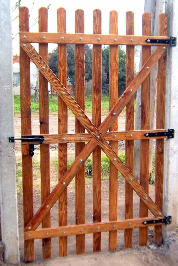Porton portones y rejas en madera pinterest for Rejas de madera