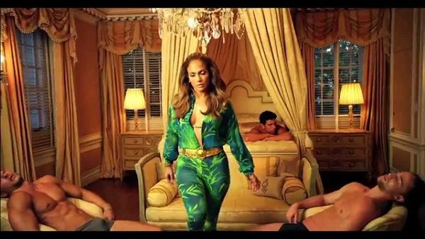 "Jennifer Lopez's Promoting Lumia 2520 in her upcoming music video ""I Luh Ya PaPi"""