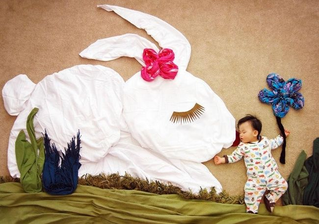 Creative Mom Turns Her Baby's Naptime Into Dream Adventures - 9