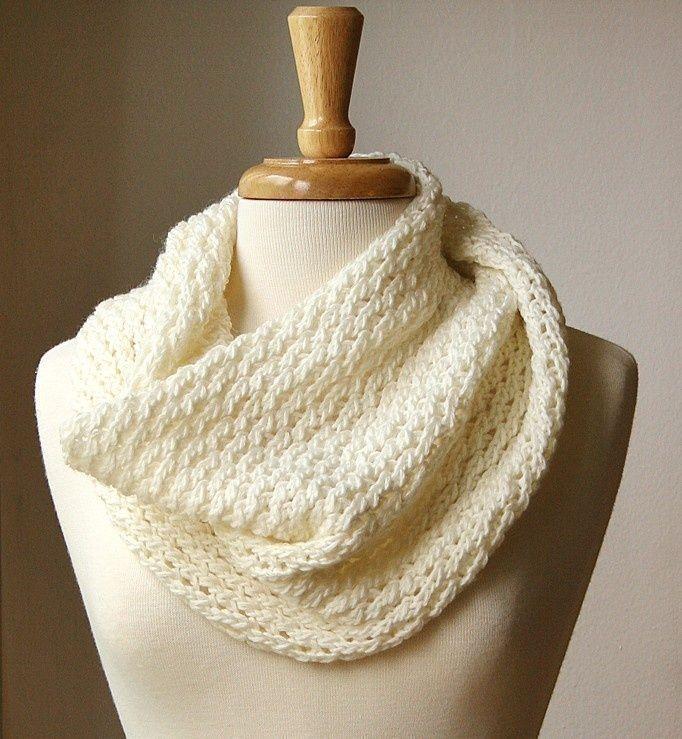 patterns for circular scarves | Infinity Scarf KNITTING PATTERN. Circular scarf snood. Bridget Cowl ...