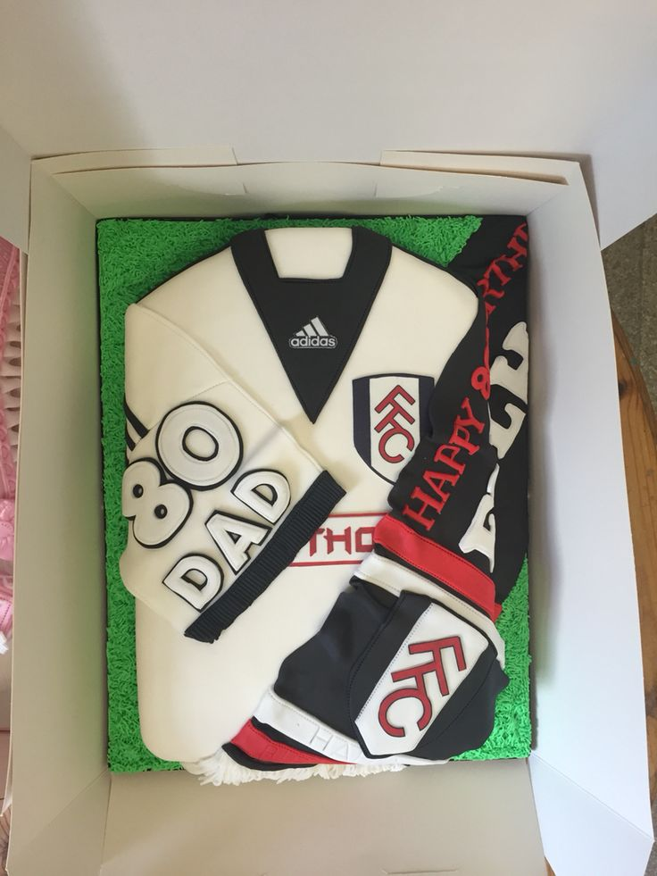 Cake Decorating Football Shirt : Fulham fc football shirt cake Football shirt cakes ...