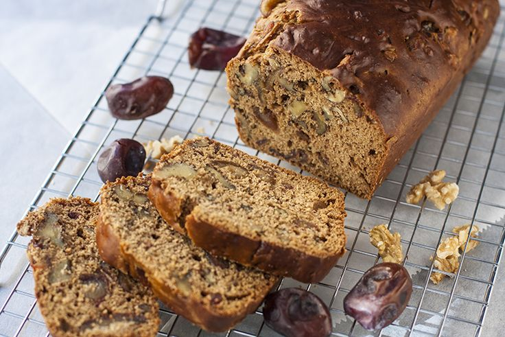 Dadelbrood maar we noemen het ook wel dadelcake. Een heerlijke verantwoorde…