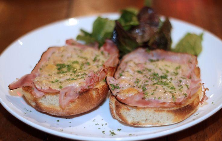 Crostoni di pane con pancetta
