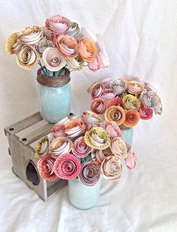Für die Hochzeit Tischdeko können Sie Rosen aus Papier basteln