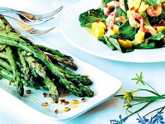 Grillad grön sparris (kock Bonniers kokbok)