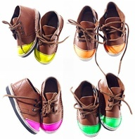 mini neon toes!: For Kids, Neon Toe, Kids Shoes, Kids Fashion, Neon Tips Shoes, Minis Neon, Neon Shoes, Baby Shoes, Toe Shoes