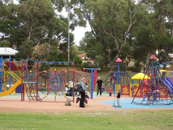 mawson park playground hillarys  http://www.buggybuddys.com.au/magazine/read/mawson-park-playground-hillarys---playgrounds-in-perth_201.html