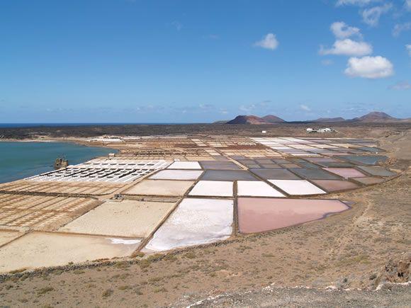 Las Salinas Janubio, Lanzarote, Las Islas Canarias (the Canary Islands), Spain