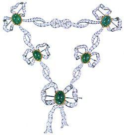 Collier in platino, brillanti e smeraldi appartenuto alla Zarina Alessandra. Copia dell'originale da documenti d'epoca realizzata a cura del Governo Russo nel 1980