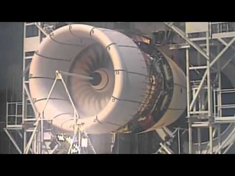 Jet engine explosion! - Awesome engine failure of Airbus A380 Rolls-Royce Trent 900 - YouTube