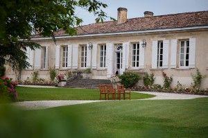 Venez découvrir le château Latour Martillac en réservant votre visite sur Wine Tour Booking