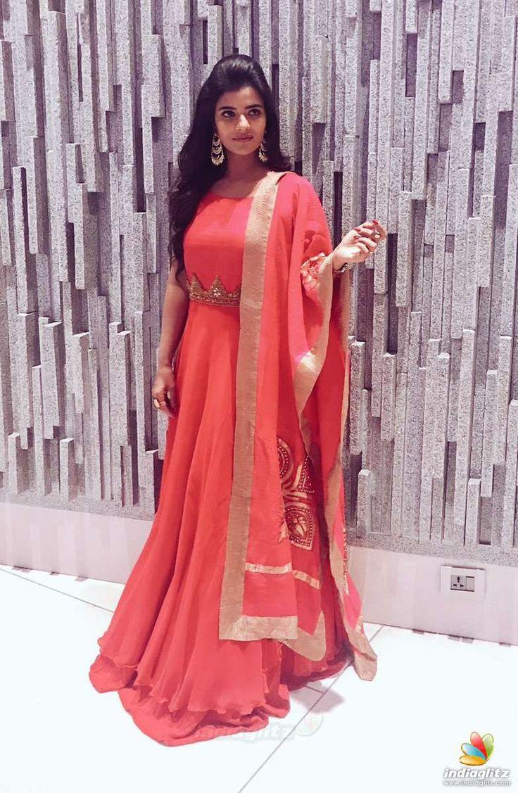 Aishwarya Rajesh Photos Tamil Actress photos, images