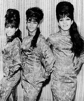 ronnie spector | Estelle Bennett of the Ronettes has died | Gina Vivinetto's Greatest ...