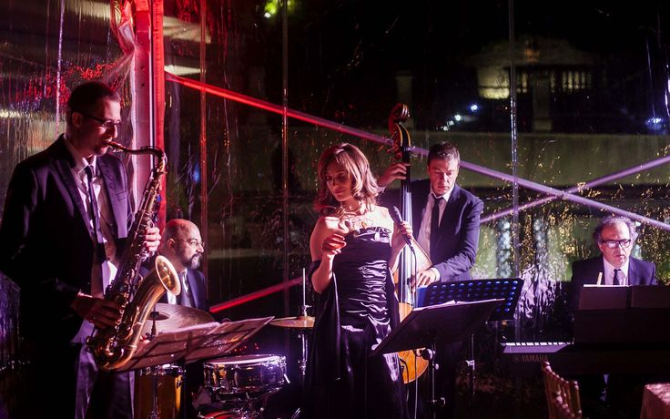 Musica Evento is partner of Karen Tran's The Floral Experience in Lake Como, 2016.  Our Italian Swing Band gave an outstanding performance for the Royal gala Dinner which took place at the world famous Casta Diva Rasort & Spa.   Photo by Morlotti Studio.